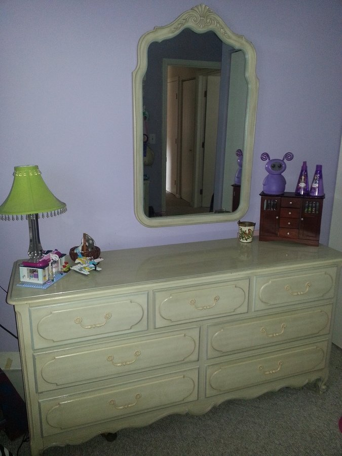 I Have A Henry Link Girls Bedroom Set That I Am Trying To Sell, But Not Sur.