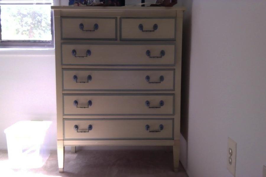 I Have A Dixie Furniture Bedroom Set, Plus A Dixie Desk