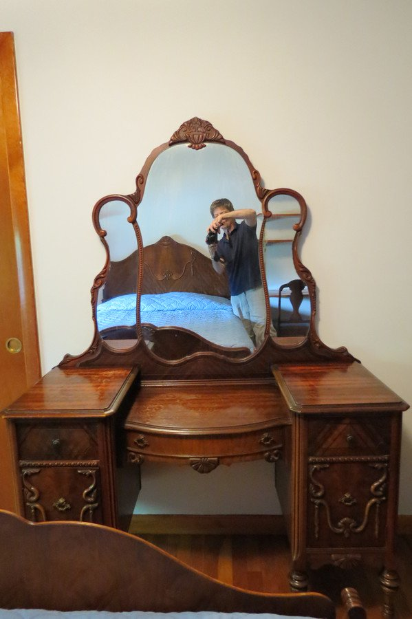 I Have A Gettysburg 1920 S Bedroom Set Full Size Bed Head