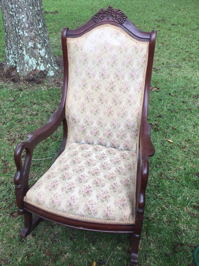 I Have A Goose Neck Swan Rocker And Sofa Can You Help Me Determine The Valu My
