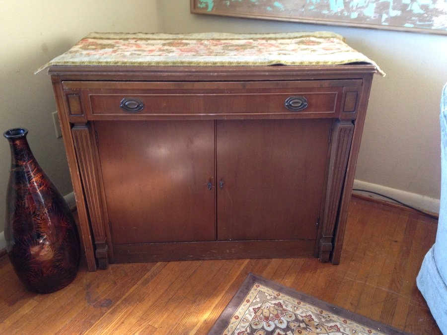 Im Looking To Sell My Saginaw Expandomatic Table And 4 4