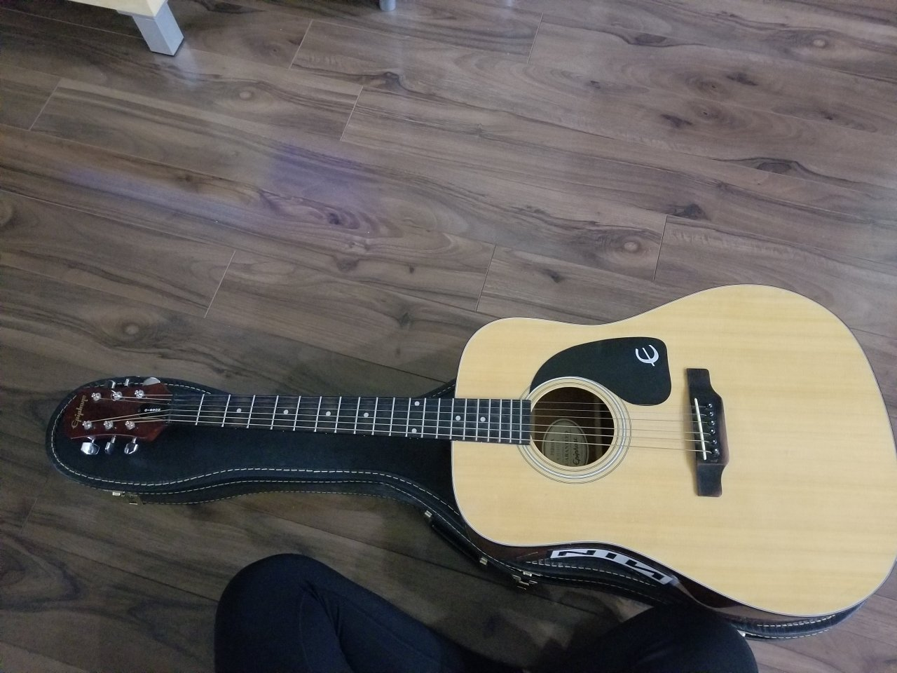 how much could i sell my gibson model pr200na serial n 98040130 my guitar buddies. Black Bedroom Furniture Sets. Home Design Ideas