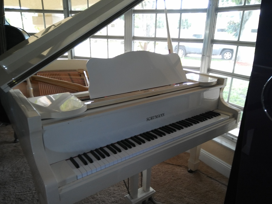 What Is A Fair Price For A Schumann White Baby Grand G 82