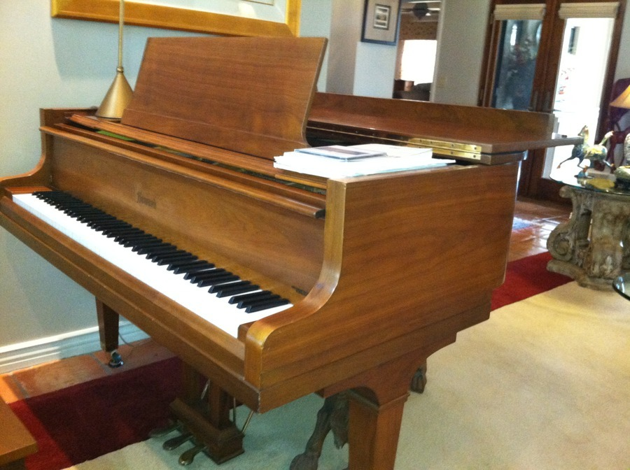 One Owner Howard Baby Grand No 330 Serial 335869 I Want To Sell To A Pri My Piano Friends
