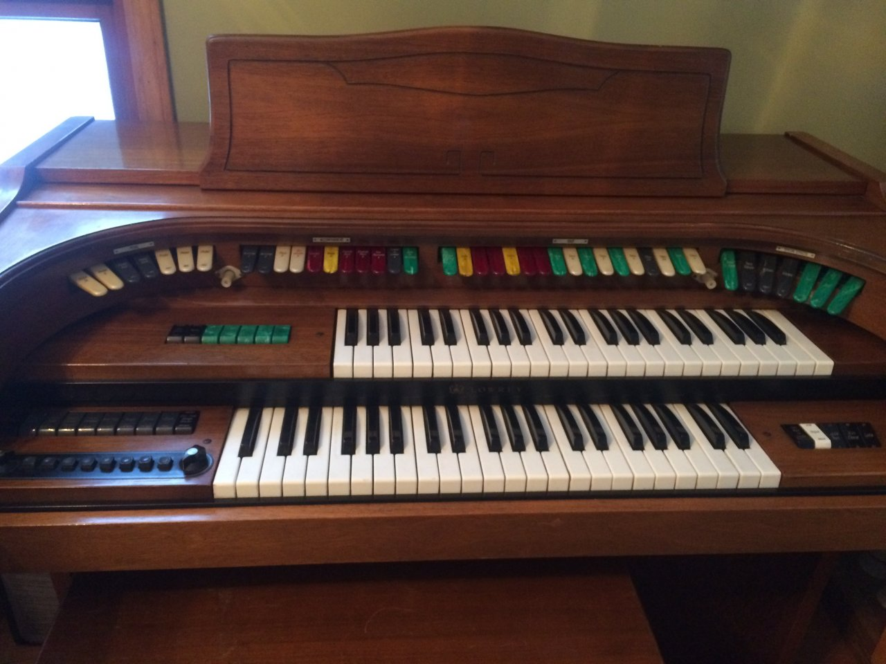 What Is My Lowery Organ Worth It S A Model H R Serial 152588 My Piano Friends