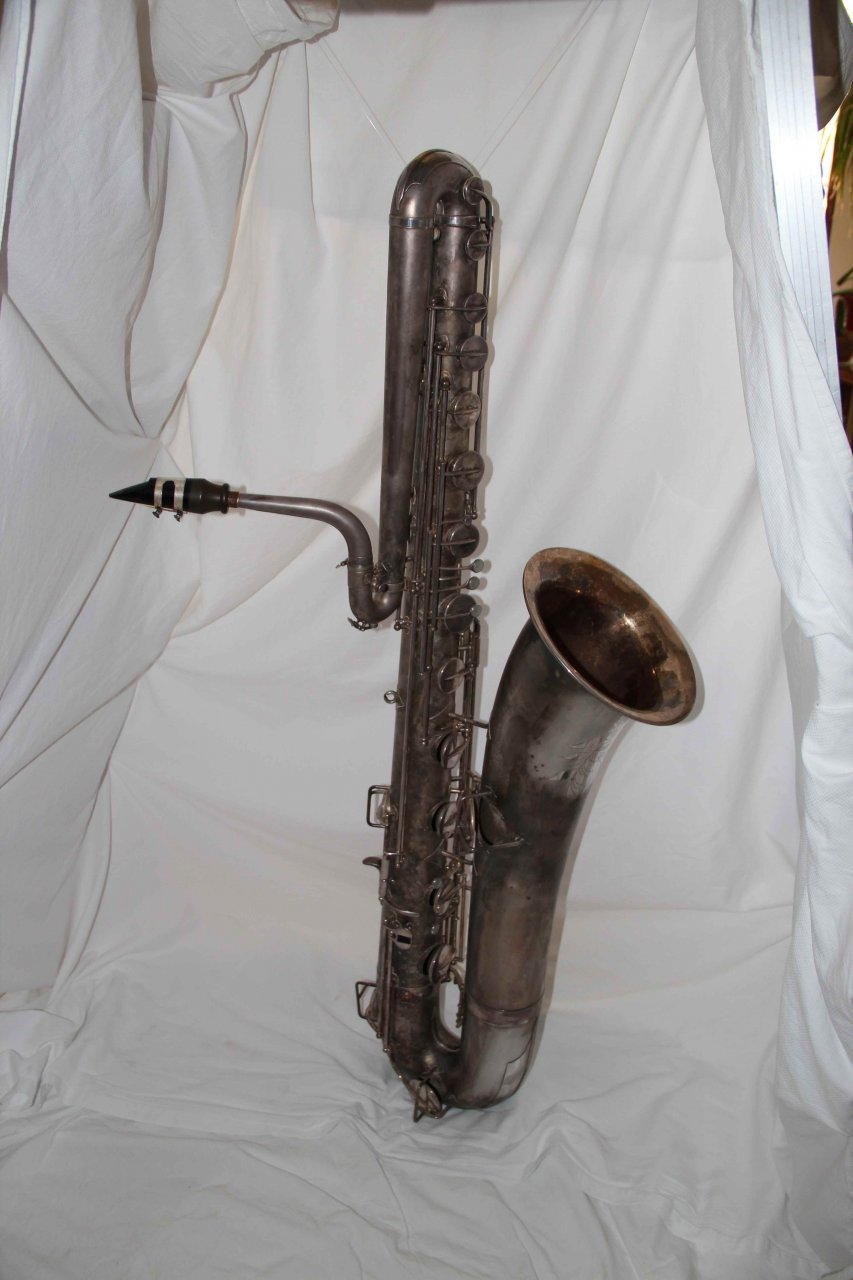 1925 buescher true tone bass saxophone for sale saxophone people. Black Bedroom Furniture Sets. Home Design Ideas
